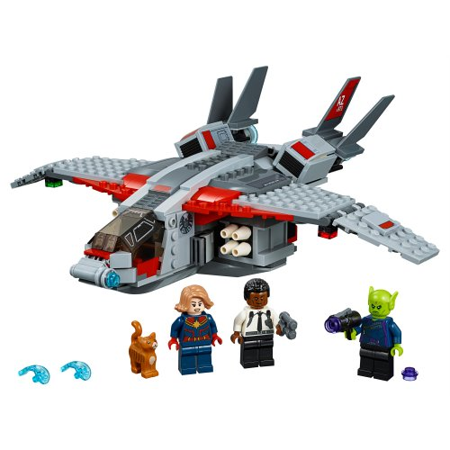 76127 Captain Marvel i napad Skrulla
